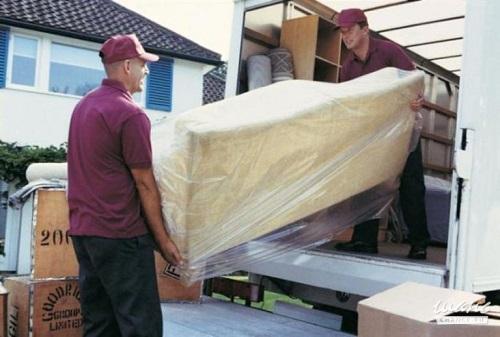 Перевозка дивана с грузчиками недорого