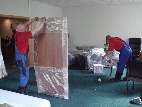 Перевезти мебель с грузчиками